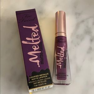 Too Faced melted matte-tallic Scream My Name